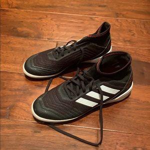 Adidas Predator 18.3 Indoor soccer shoe 7